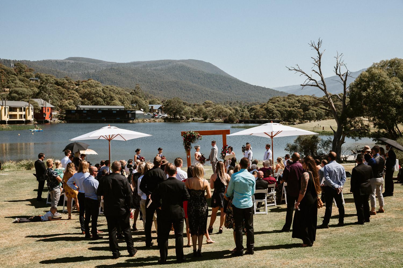 lake-crackenback-wedding-ceremony-reception-venue-jindabyne-lawn-outdoor