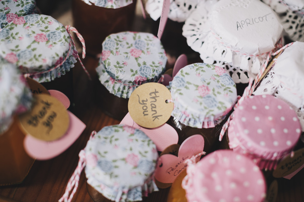 Canberra-wedding-photographer-videographer-documentary-garanvale-woolshed-braidwood-country-vintage-diy-homemade-jam-favours