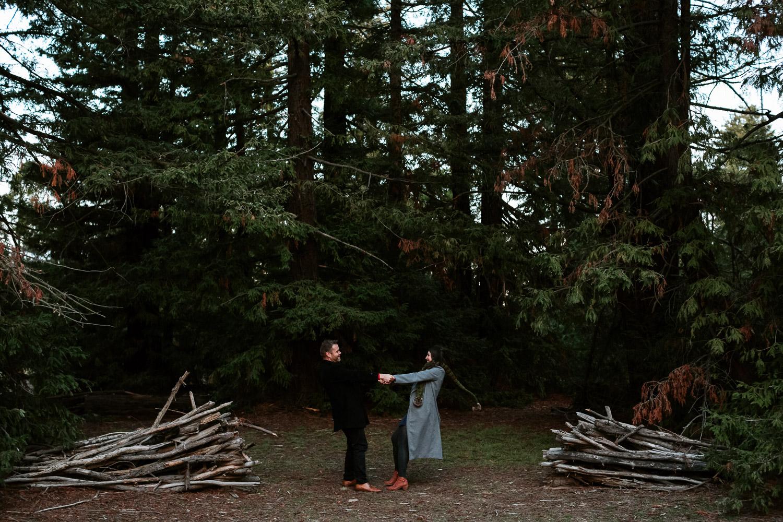 canberra-engagement-photographer-natural-candid-documentary-portrait-couple-pialligo-redwood-forest