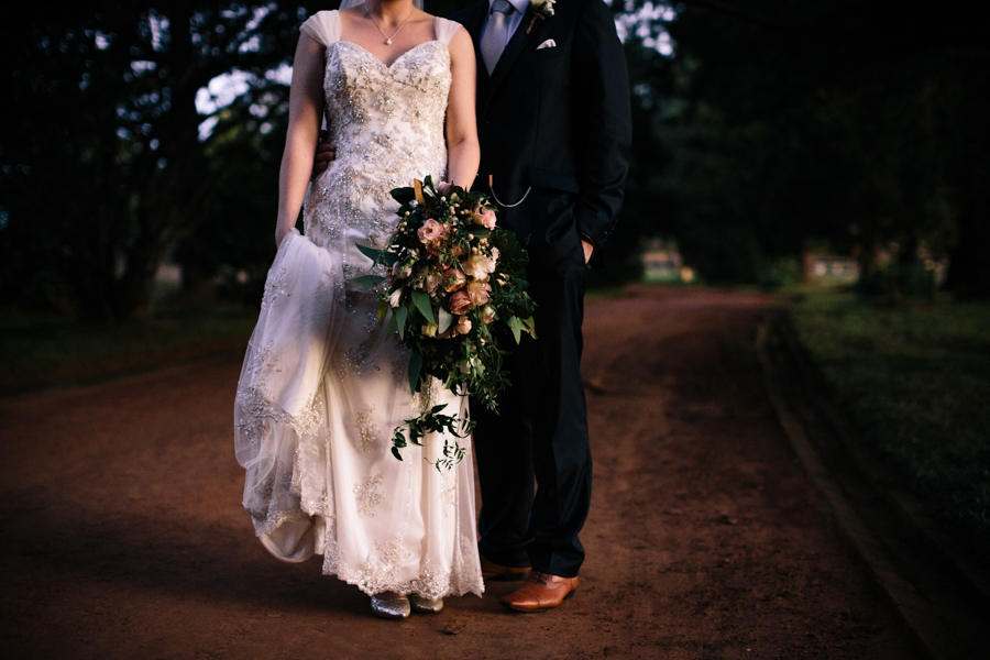 wedding-bouquet-flowers-unstructured-wild-textured-bendooley-estate-photographer-southern-highlands