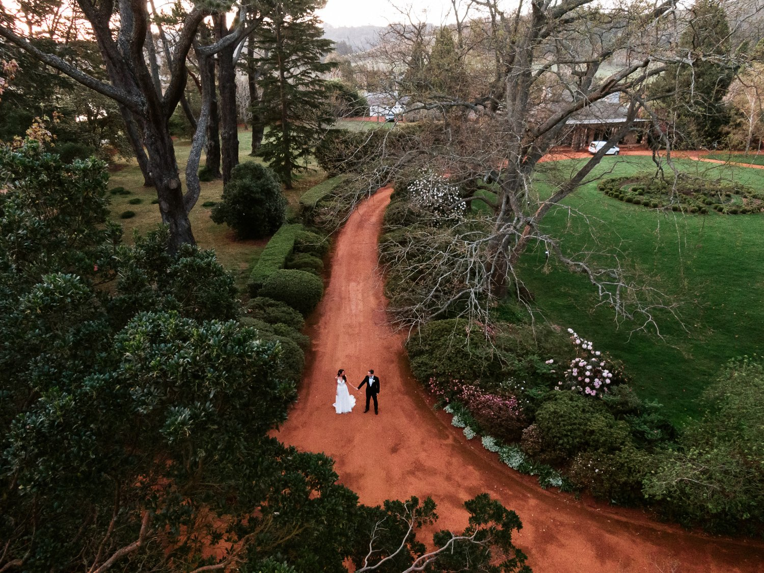aerial-photo-bendooley-estate-bowral-berrima-southern-highlands-new-south-wales-drone-bride-groom-gardens